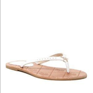 Tommy Bahama Hayleigh Leather Flip Flop Sandal